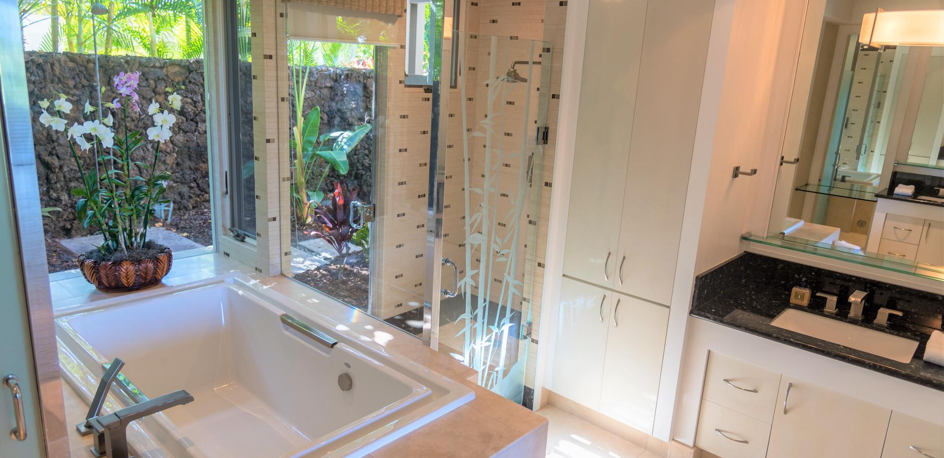 10. Master Bath.jpg