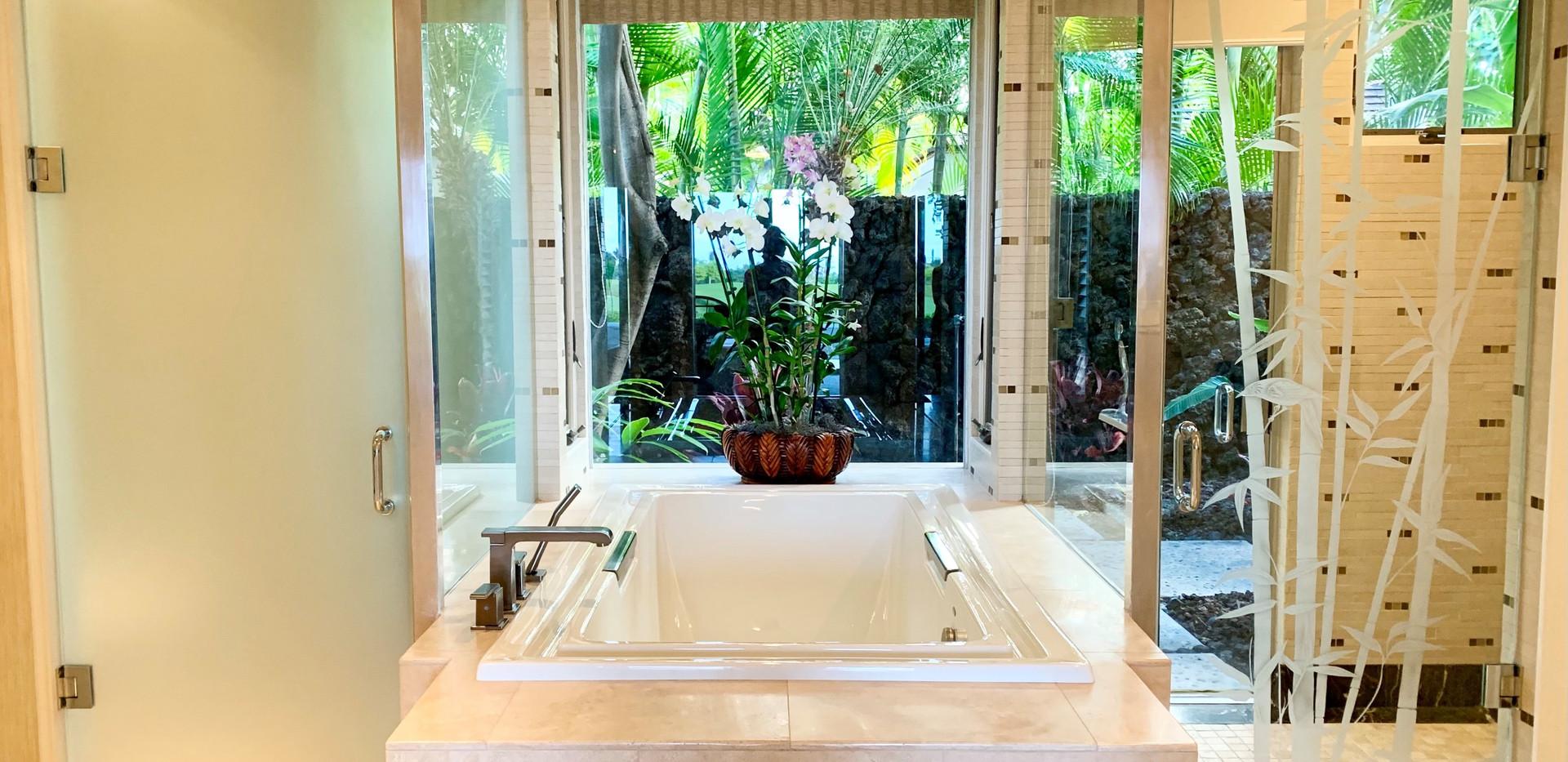 9. Master Bath.jpg
