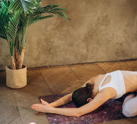 Yin_yoga_cours_aymeric_eeckman@sophroeco