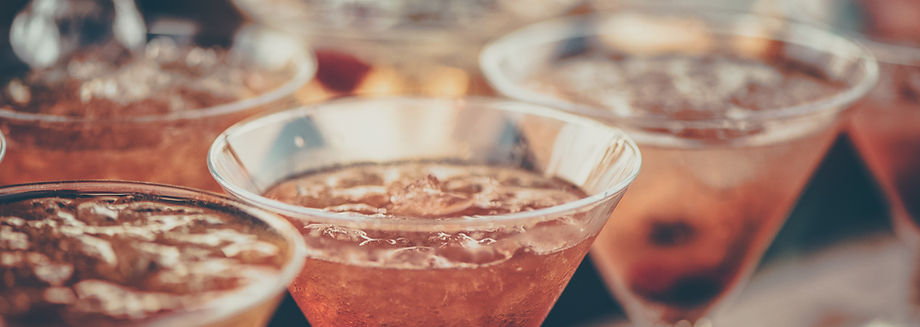 alcoholic-beverages-bar-beverage-613037.