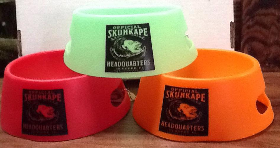 SKUNK APE DOG BOWL