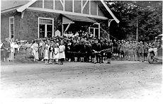 Camp Lewis Soldiers at Church 1917-1.jpg