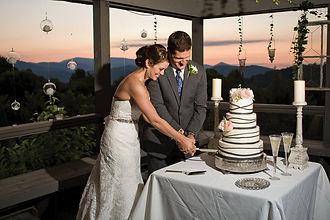NC mountain wedding cakes, destination wedding, NC High Country wedding cakes, Boone NC wedding cakes
