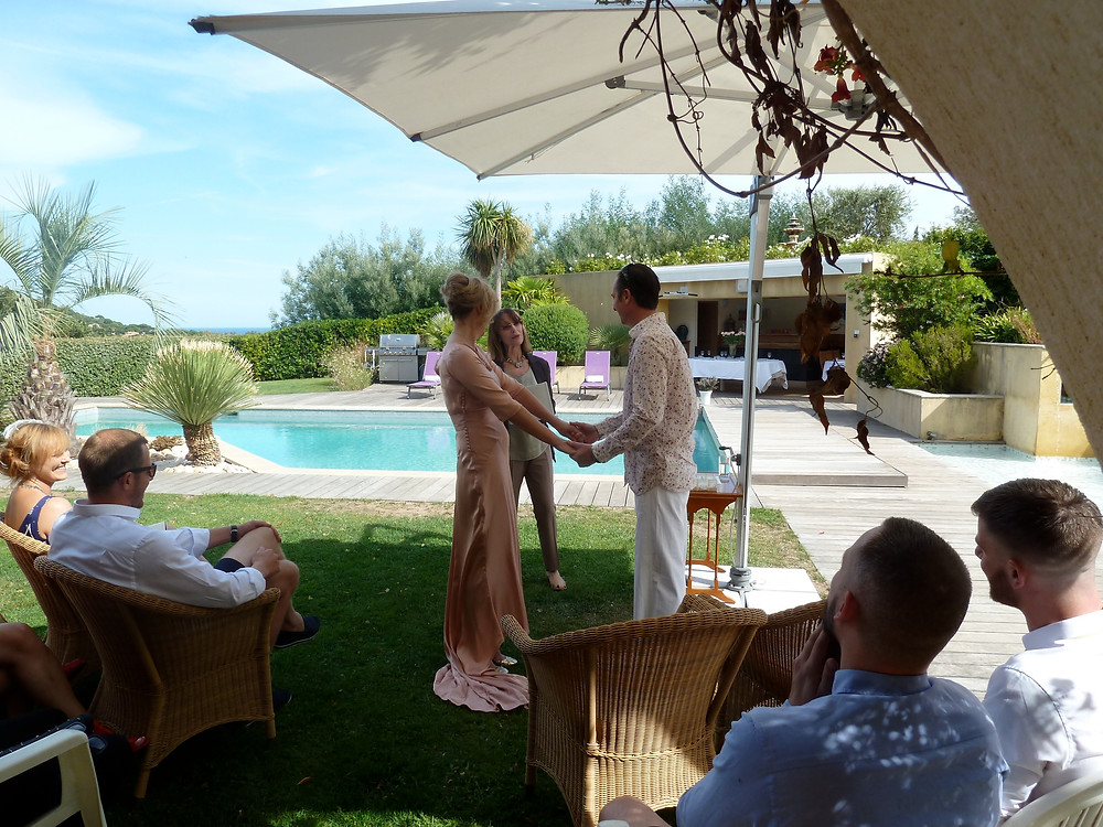 A private holiday villa provides the perfect setting for a wedding