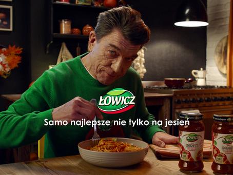 Mirosław Zbrojewicz jako Pan Jesieniarz radzi w reklamach marki Łowicz