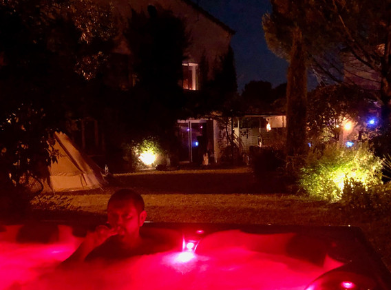 Confort d'un spa extérieur silencieux