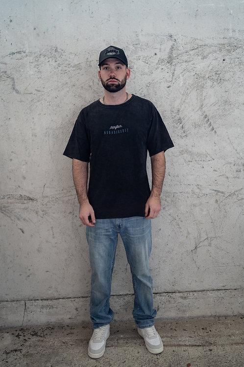 "Shirt ""NO BASIC SHIT"" vintage black"