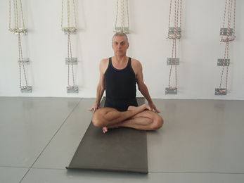 iyengar yoga sequences