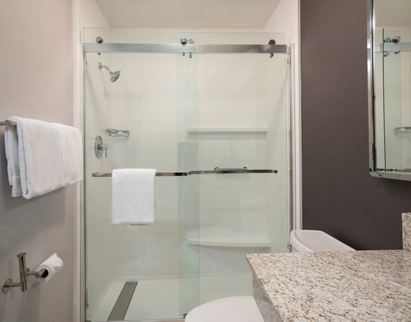 (09)-intcy-bathroom-1197-hor-clsc.jpg