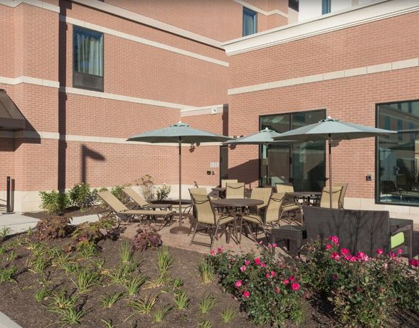 Hosp_Hotels_Hilton_Hampton Inn_Schaumbur