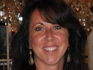 Julia Ebner, Account Director