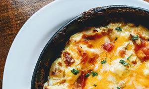 Lasagna Meal - Incl. Panzanella Salad & Garlic Bread