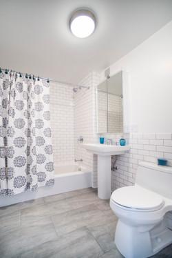 204_ph4_bathroom