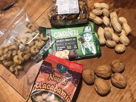 Frutta secca e noci per l'escursionismo