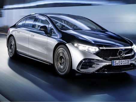 Wow, the beauty LED design and OLED panel free your imagination  in EV Car (EQS-Mercedes Benz)