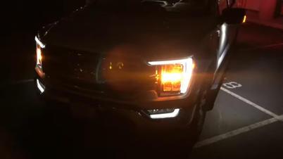 amber directional light