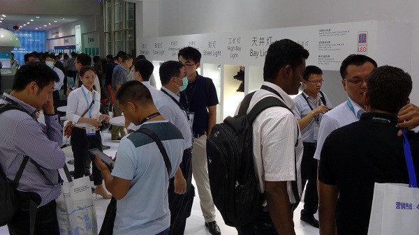 圖:新世紀光電主流規格3535/5050覆晶元件MATCH LED在廣州展的戶外與高功率照明應用大受好評。.jpg