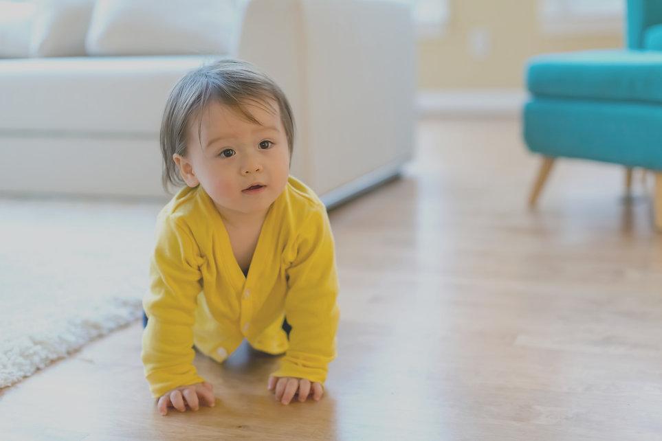 Baby_Crawling_yellowtop_edited.jpg
