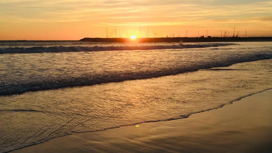 apollo bay harbour + sunrise