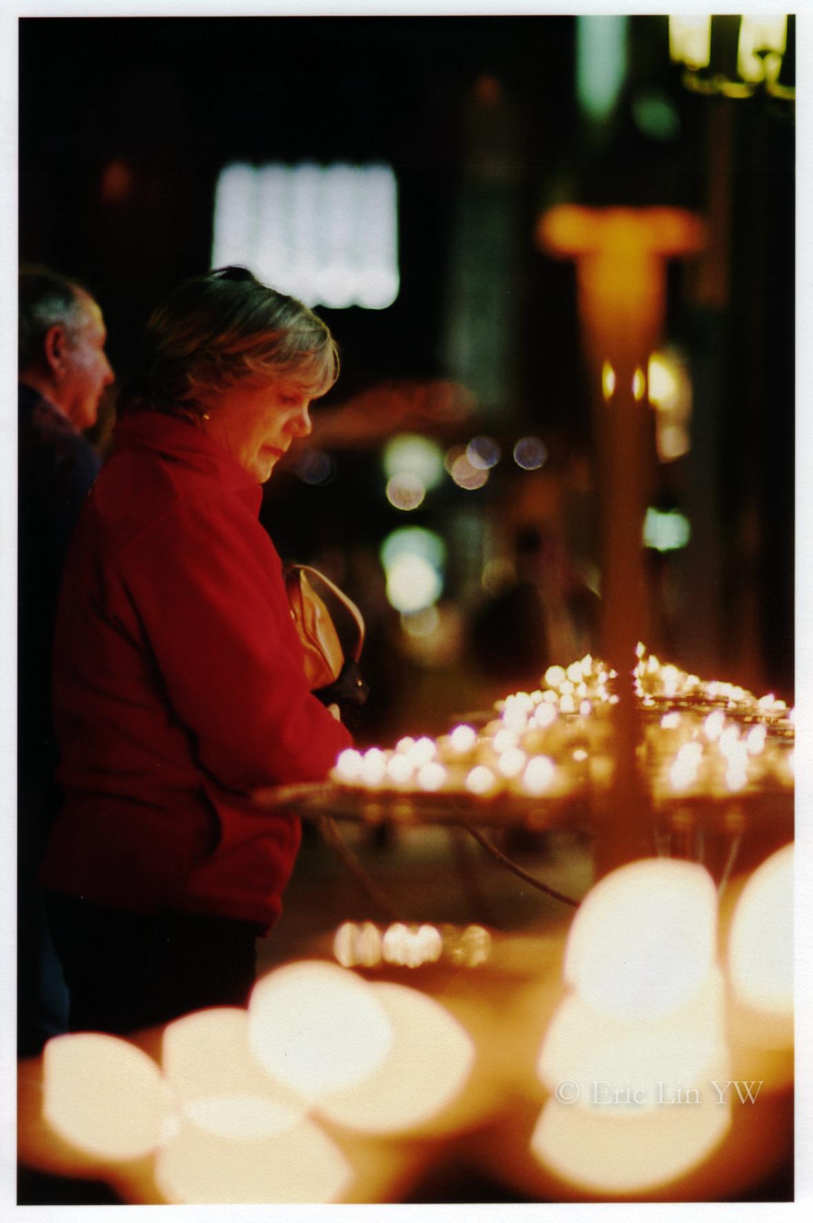 PrayerWoman-1