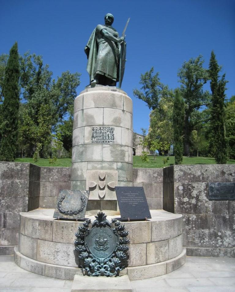Estátua D. Afonso Henriques
