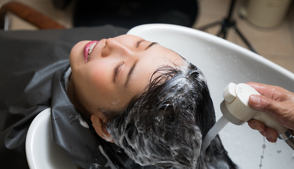 hair salon concept. Shampoo station..jpg