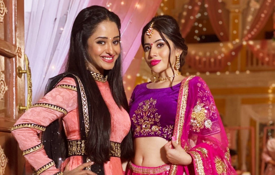 WILL VIDHI'S IDENTITY GET REVEALED? AND WILL PAYAL REACH IN TIME FOR HER MEHENDI CEREMONY?