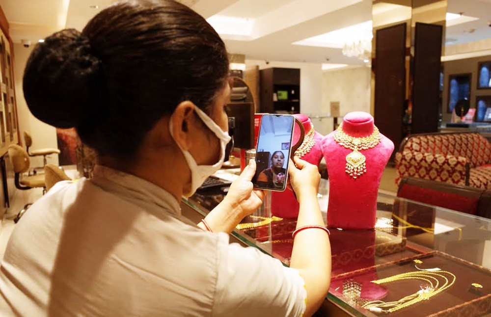 TANISHQ IMPLEMENTS DIGITAL FEATURES ACROSS ALL ITS 220+ STORES