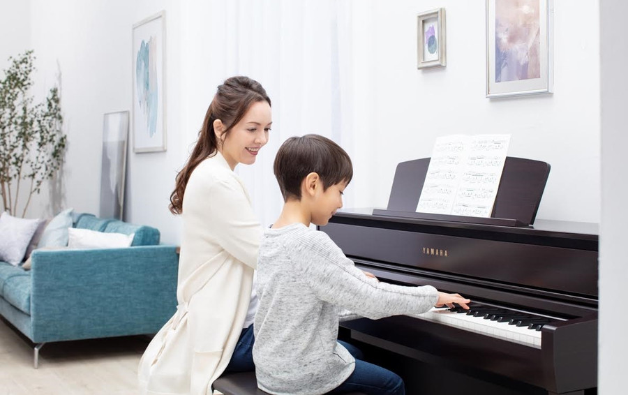 YAMAHA VIRTUALLY LAUNCHES CLAVINOVA CLP-700 SERIES DIGITAL PIANOS WITH A MAGICAL PERFORMANCE