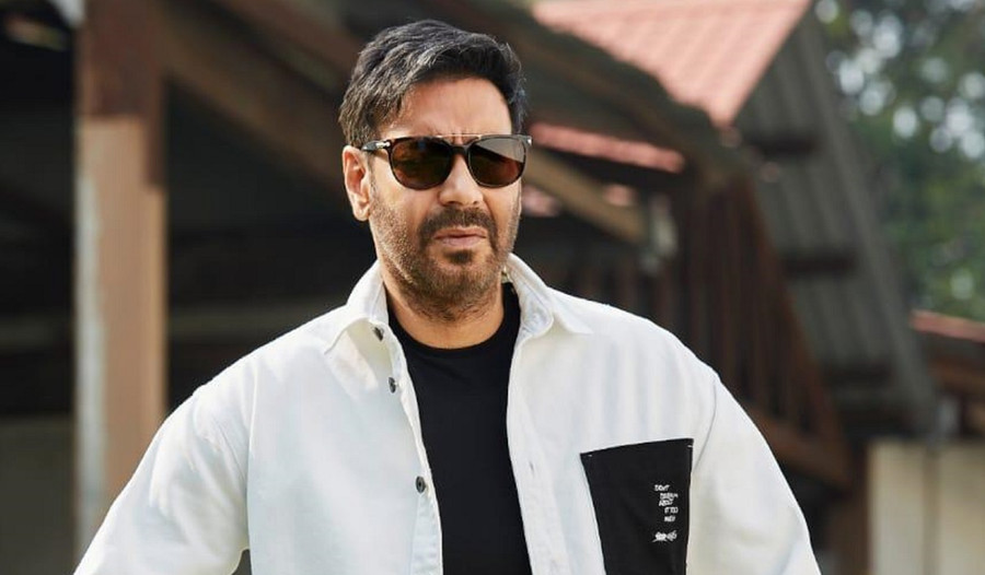 SCOOP : AJAY DEVGN TO DIRECT AMITABH BACHCHAN!