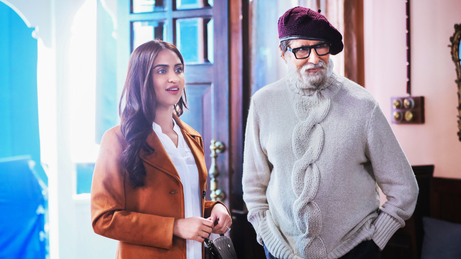 KRYSTLE D'SOUZA RECALLS THE MOMENT WHEN SHE MET AMITABH BACHCHAN FOR THE FIRST TIME ON THE SET