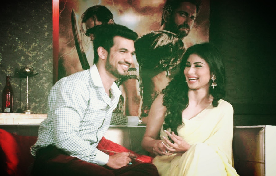 Mouni Roy and Arjun Bijlani promoting Hollywood movie Gods Of Egypt on the sets of Naagin.