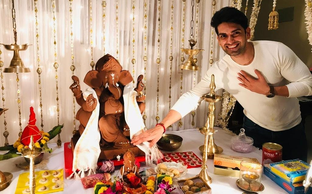 DANGAL ACTORS PRAY FOR EVERYBODY'S SAFETY AND ERADICATION OF THE VIRUS THIS GANESH CHATURTHI