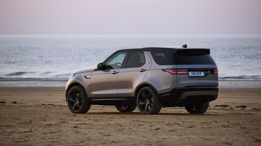NEW DISCOVERY: EFFICIENT POWERTRAINS, ENHANCED CONNECTIVITY & MORE COMFORT FOR VERSATILE FAMILY SUV
