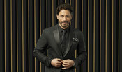 SHAH RUKH KHAN REDEFINES 'SEXY' AS 'STREAXY' IN HIS LATEST MUSIC VIDEO FOR STREAX