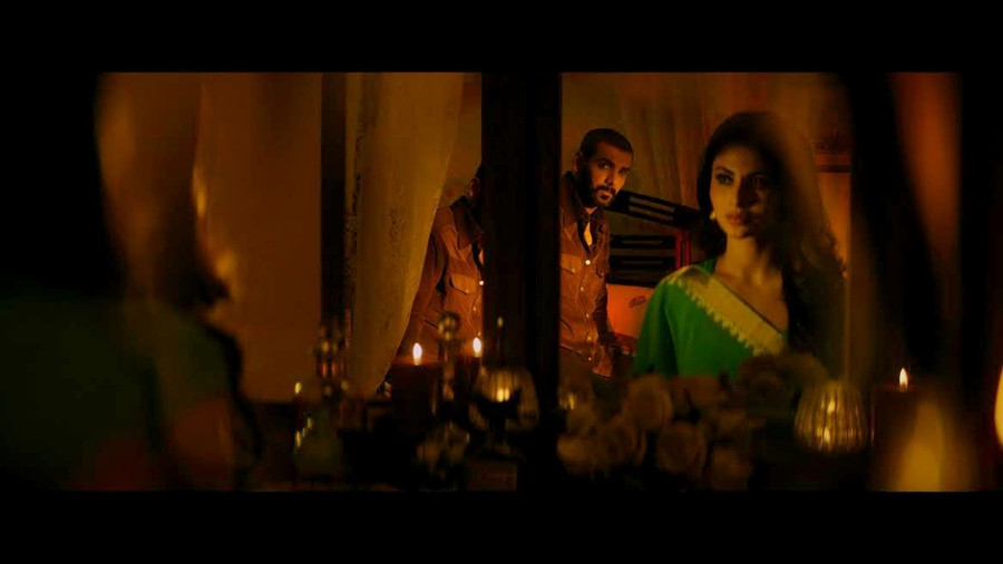 JEE LEN DE, THE NEW SONG FROM RAW (ROMEO AKBAR WALTER) DISPLAYS JOHN AND MOUNI'S SIZZLING CHEMISTRY