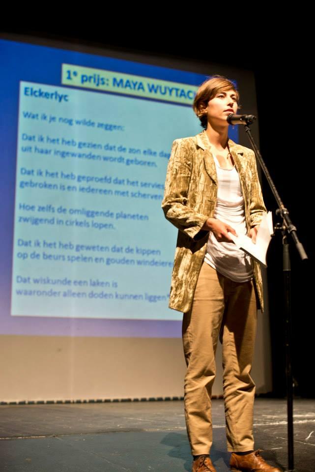 Poëziewedstrijd_en_optreden_Maya_Wuytack