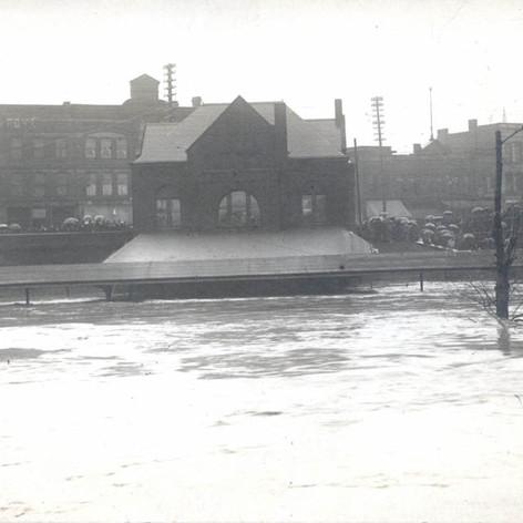 97-90-5-pennsylvania-station-flood-1913.