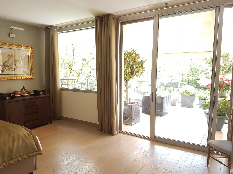 Chambre avec vue sur terrasse.jpg