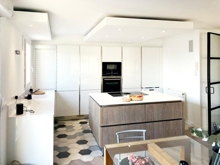 Création de cuisine avec ilot central par Sabrina Alvarez, L'Atelier de Sab, Décoratrice et Architecte d'intérieur UFDI en Ile de France 91 92 75