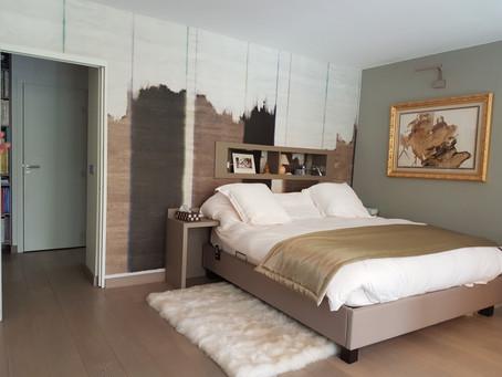 Une chambre à coucher contemporaine
