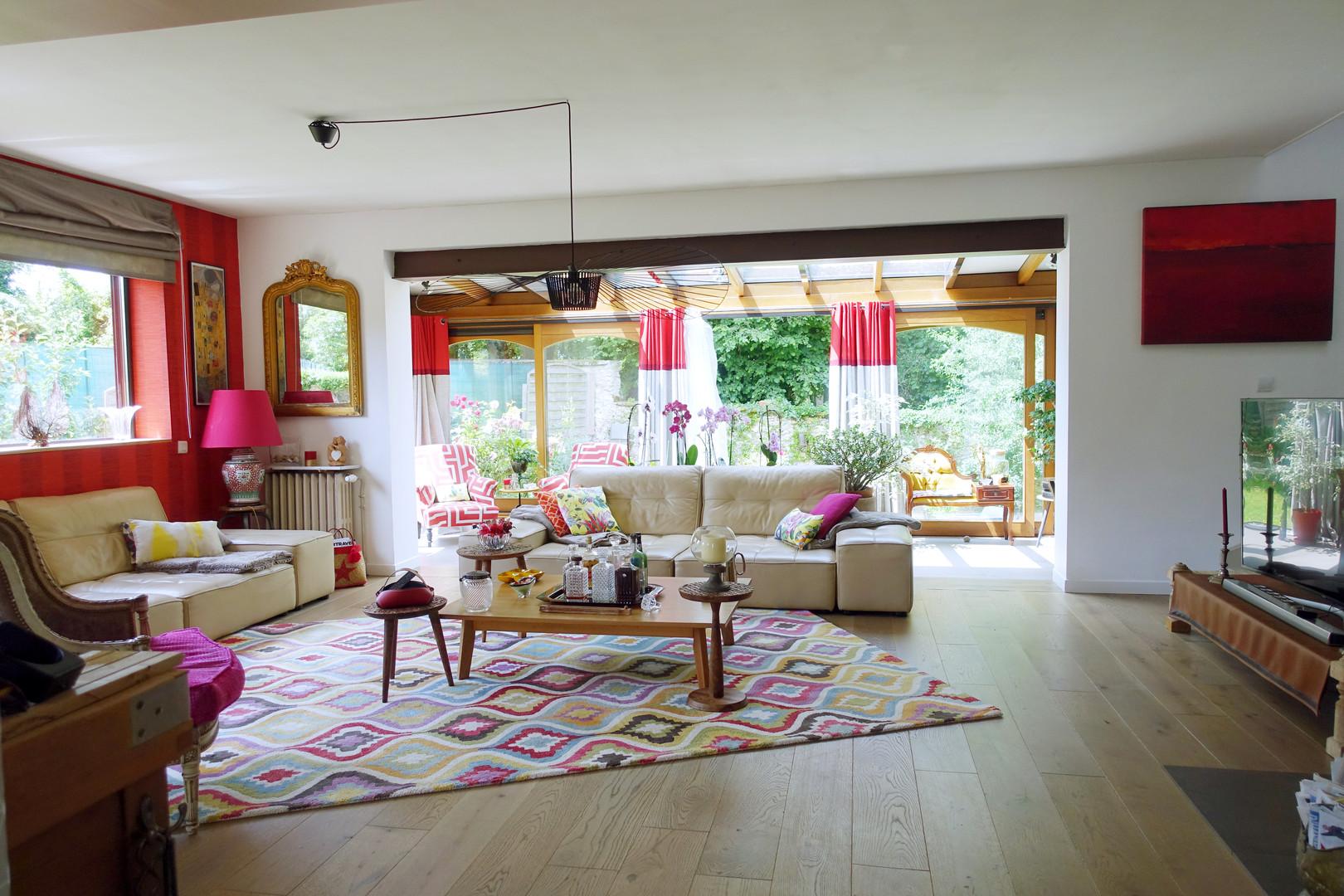 Salon Boho ethnique au couleurs chaudes