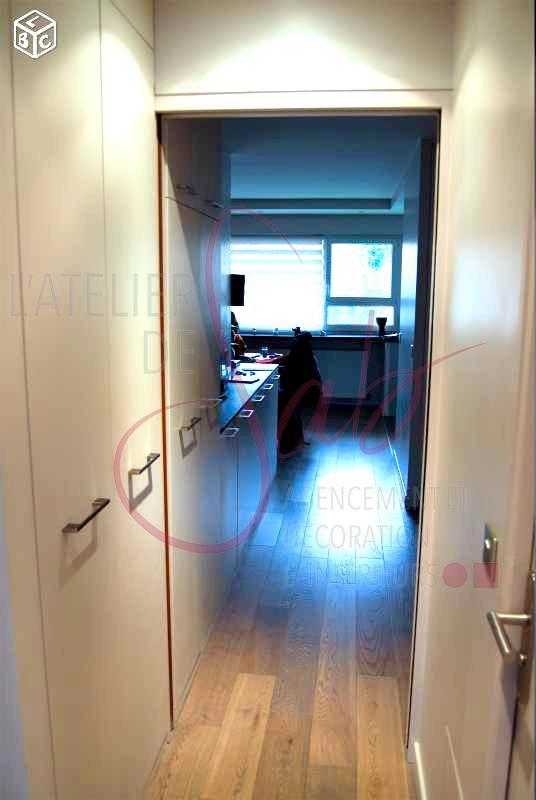 Appartement_agencement_couloir_rangements_sur_mesure_parquet_beige_Rueil_Malmaison