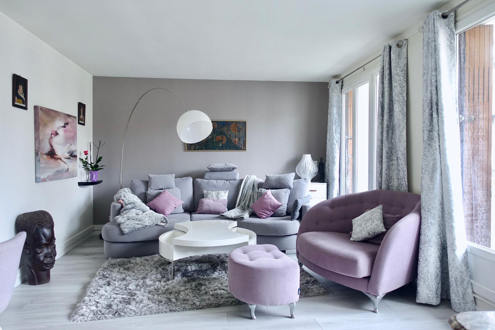 salon contemporain rose et gris