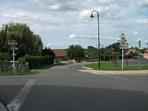 Espinasse-Vozelle,_route_vers_Vendat_201