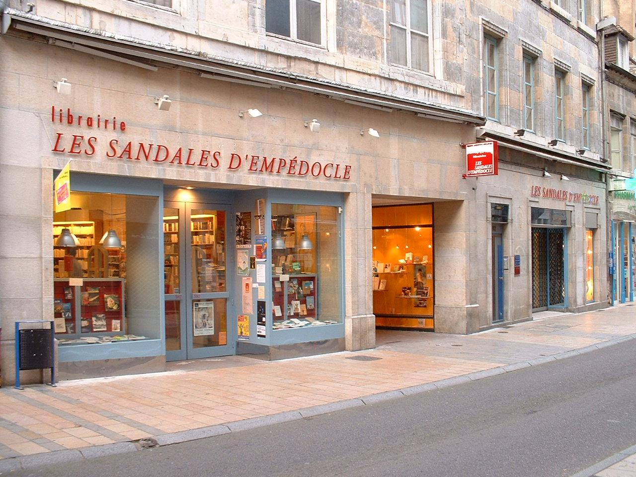 LES SANDALES D'EMPÉDOCLE