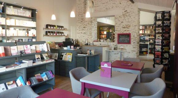 LIBRAIRIE-CAFÉ L'EMBELLIE