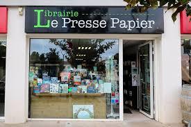 LE PRESSE-PAPIER