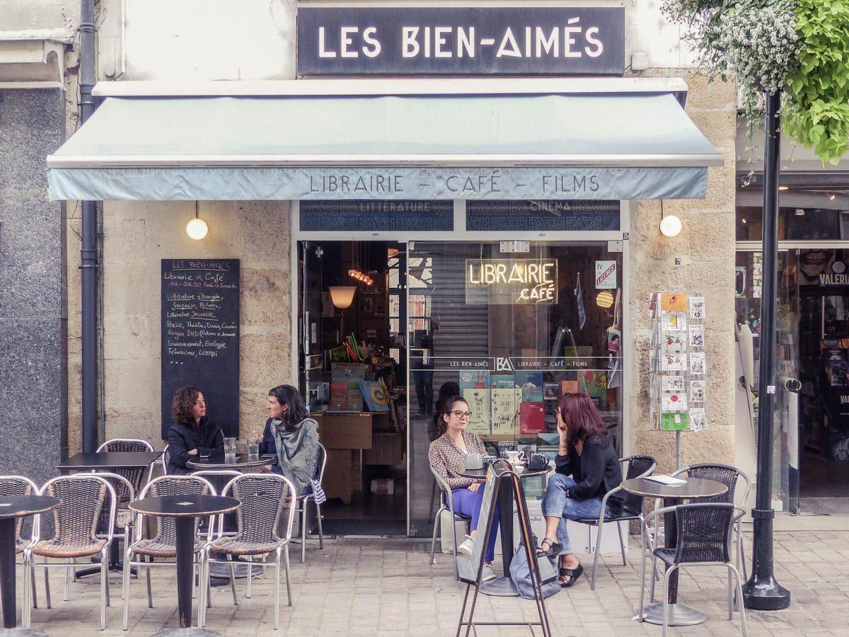 LIBRAIRIE-CAFÉ LES BIENS-AIMÉS