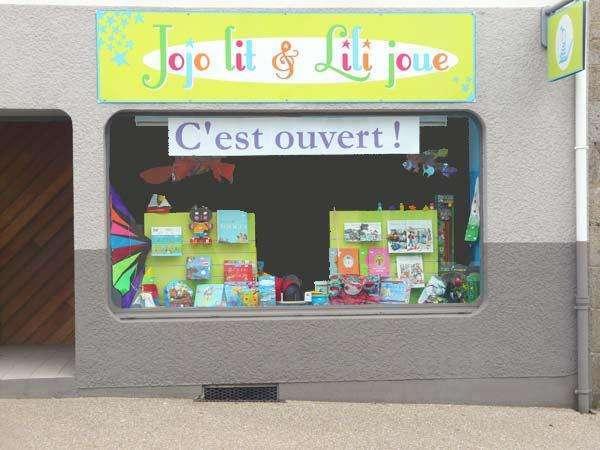 JOJO LIT & LILI JOUE